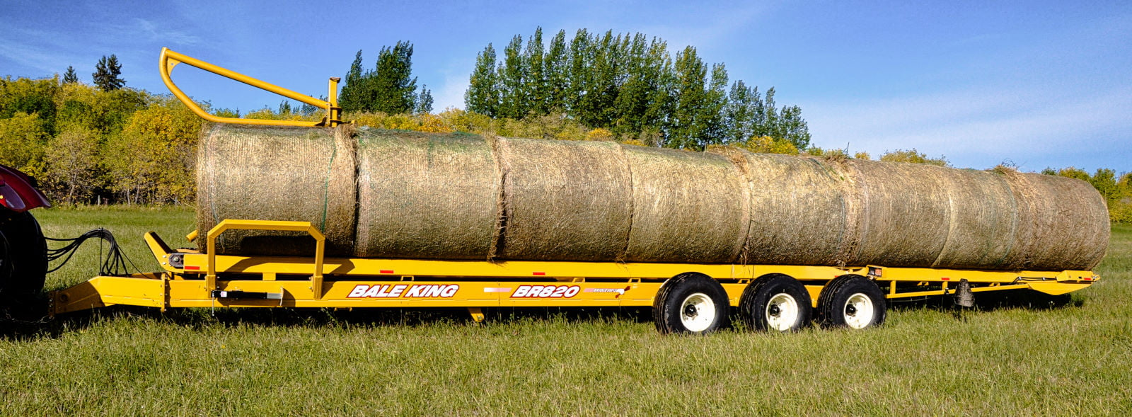 Bridgeview - Bale King BR820 bale carrier loaded