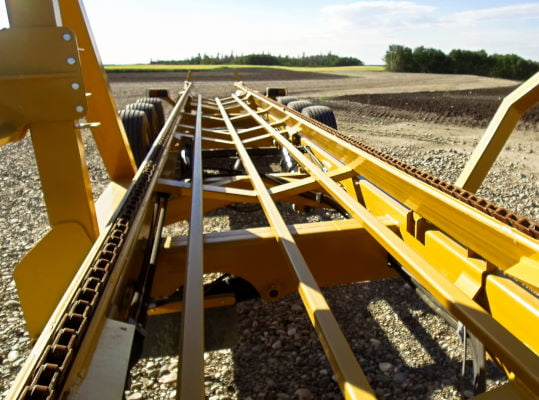 Bridgeview - Bale King BR820 bale retriever chain and bale deck