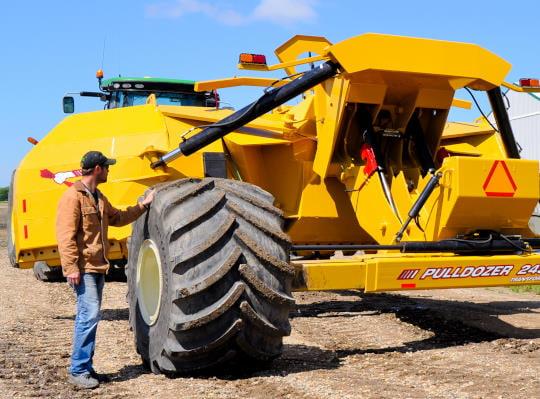 Bridgeview - Pulldozer transformer blade tires