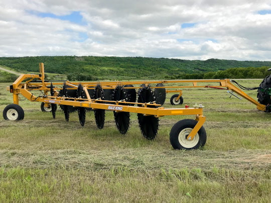 Bridgeview - Bale King VR581 rake with rubber mounted tines